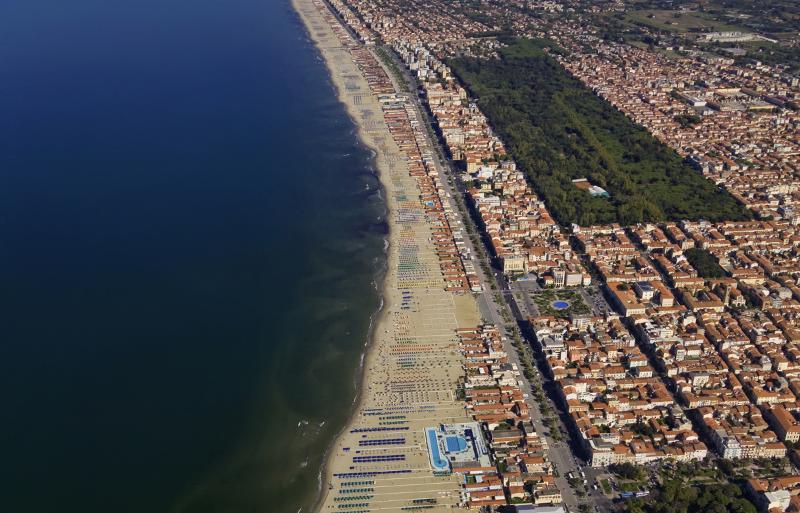 Discover the city of Viareggio