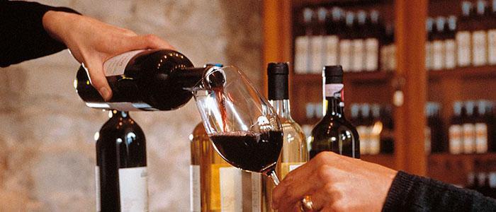 Какое вино купить в Италии – известные винодельни и национальные марки | 300x700